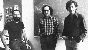 Adi Shamir (balra), Ron Rivest (középen) és Len Adleman (jobbra)